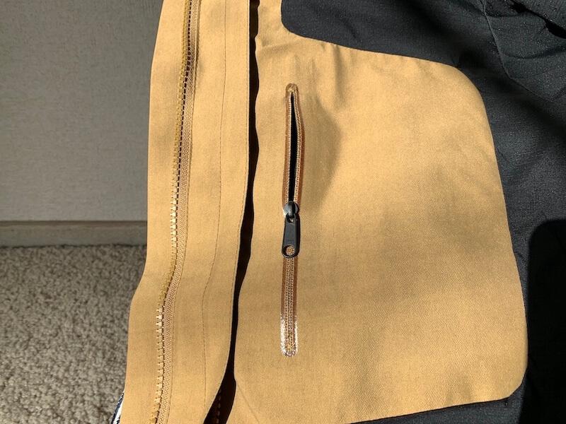 マウンテンジャケットのポケットの防水加工