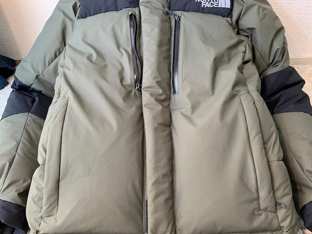バルトロライトジャケットの外ポケット