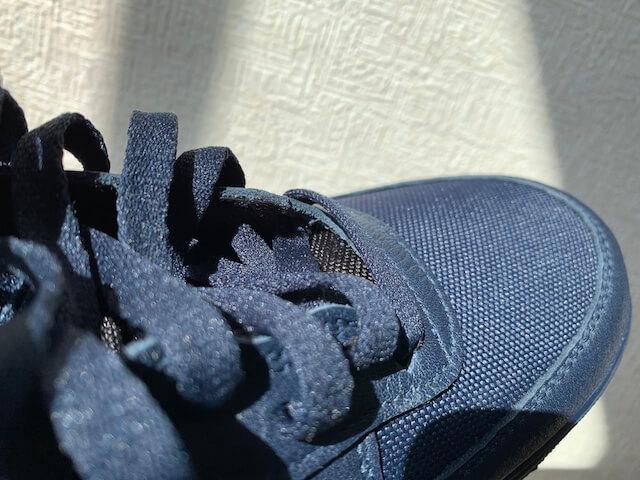 靴紐の部分も隙間なし