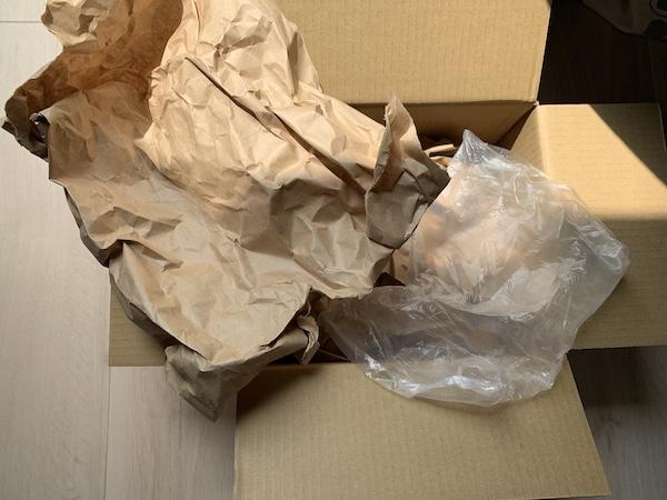 カイカイキキの箱緩衝材